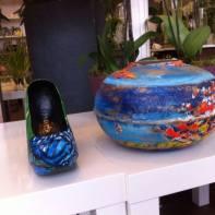 vase bassin et chaussure papillon